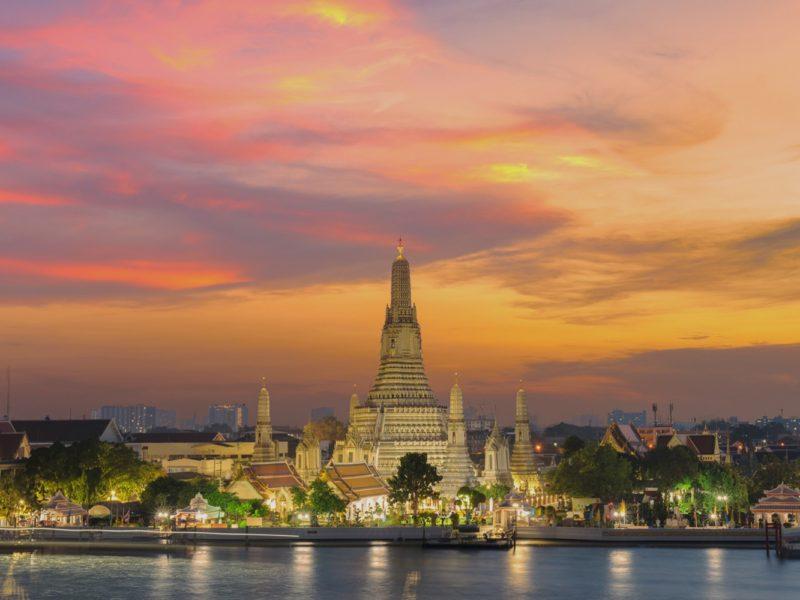 THAILAND : BANGKOK WAT ARUN & WAT SUTHAT