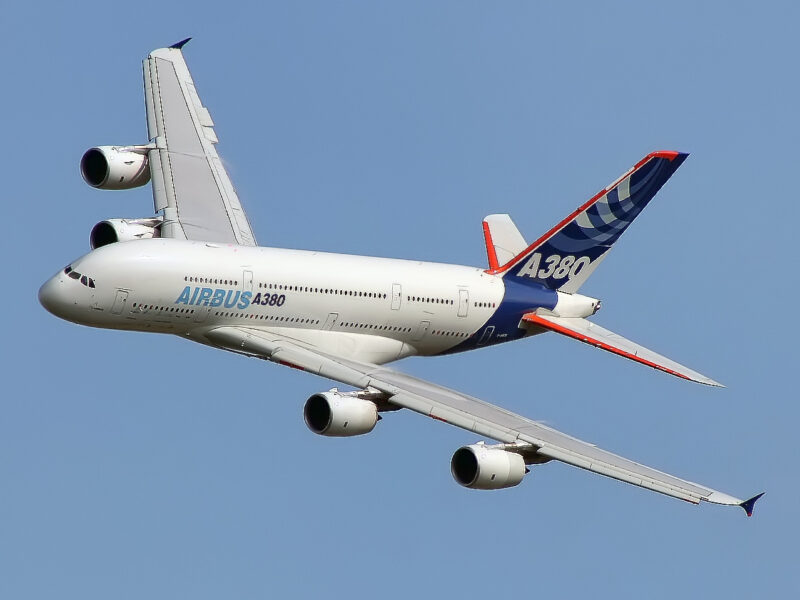 AIRBUS A380 : LARGEST, LATEST & BEST AIRCRAFT 1