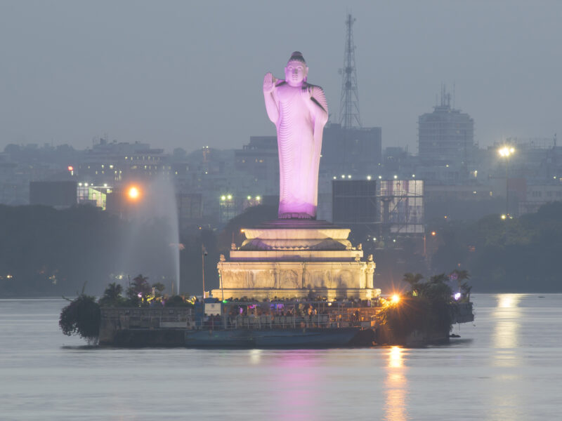 HYDERABAD 1 : THE WORLD´s  TALLEST MONOLITHIC STATUE OF GAUTAMA BUDDHA