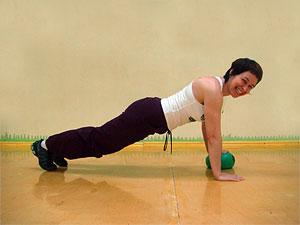 Отжимания : с колен и в планке