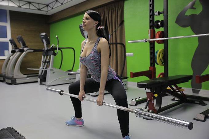 техника тяги и травмы коленей