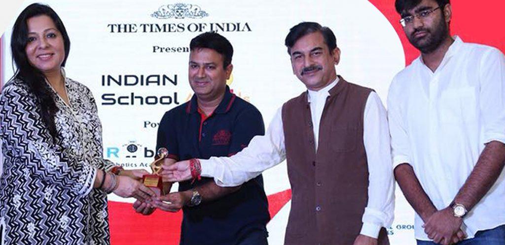 awards-right-image-1024x498