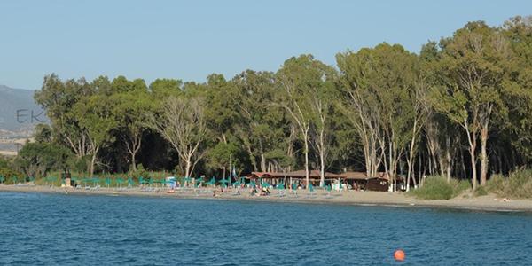 Παραλία Μαρίου (δεξιά εστιατορίου Δημοτικής Πλαζ)