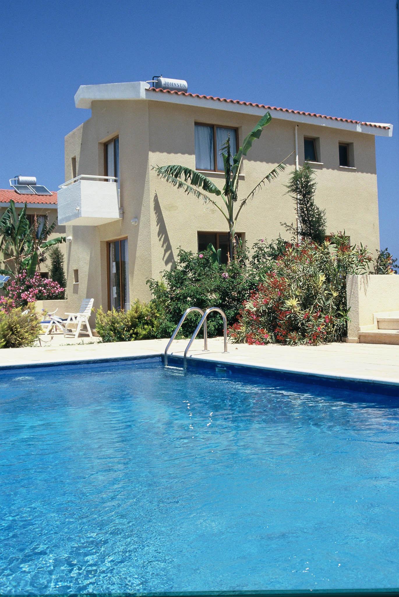 2. Three bedroom villa swimming pool