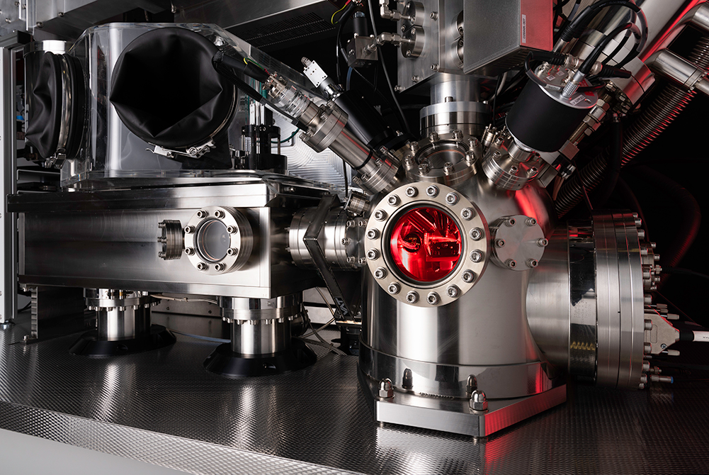 The analysis chamber of the J105 SIMS