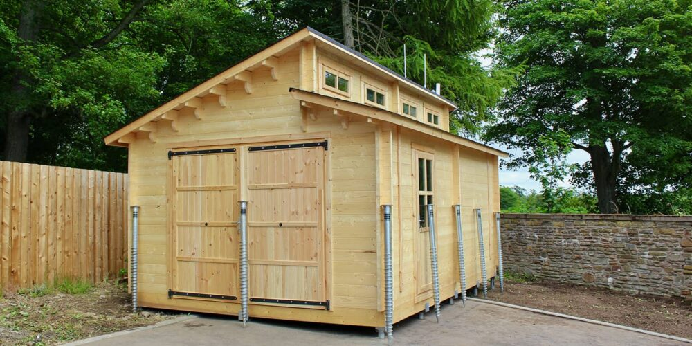 Log Cabin Garage, Dundee