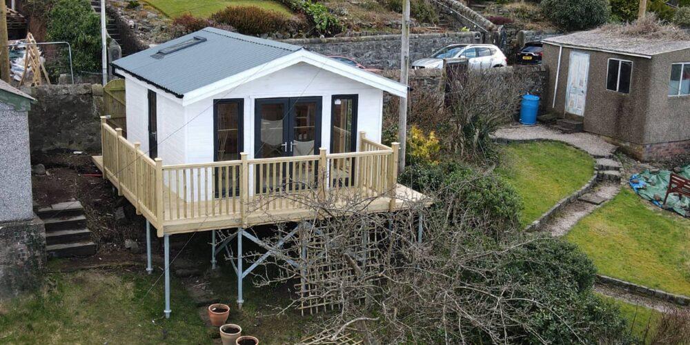 Summer House & Decking