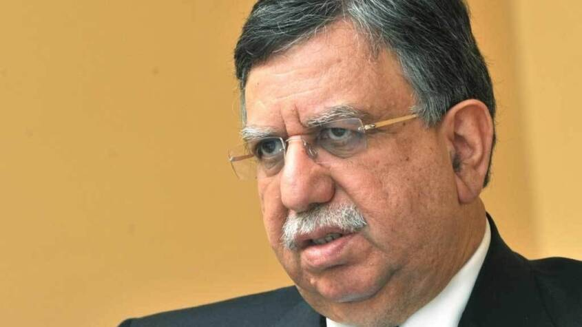 CPEC SEZs to be made autonomous, says Finance Minister Tarin
