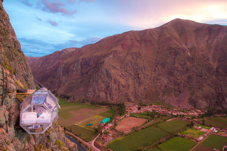 An unusual hotel room – Skylodge Adventure Suites, Peru