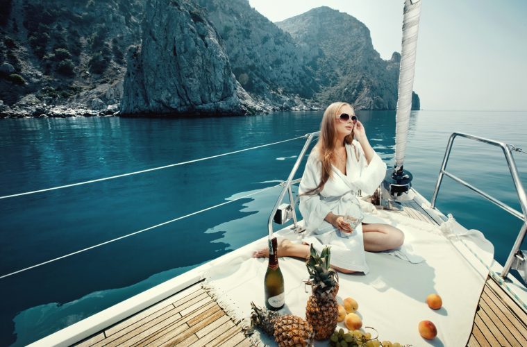 Antlos yacht holiday