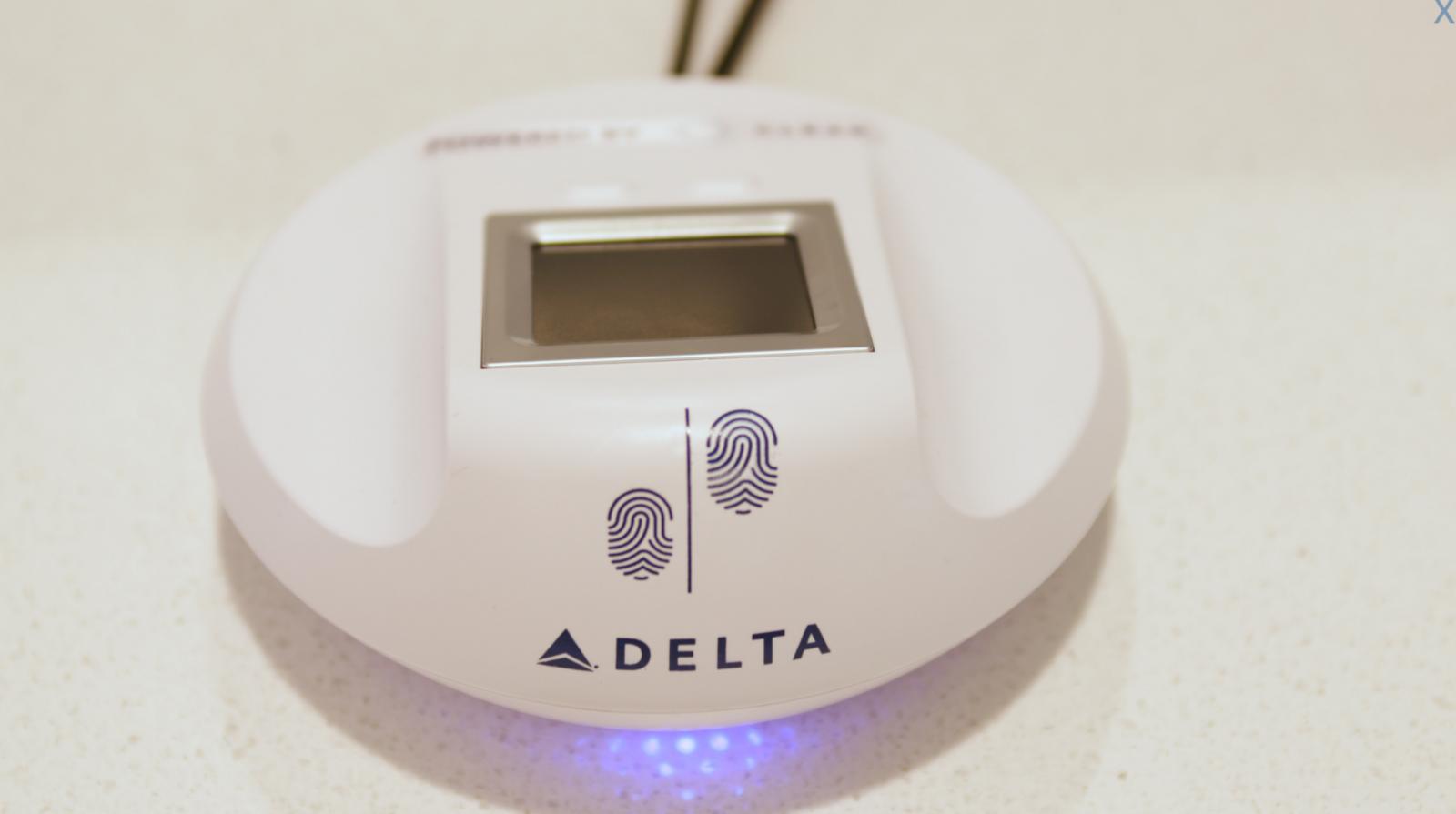 Delta fingerprint scanner