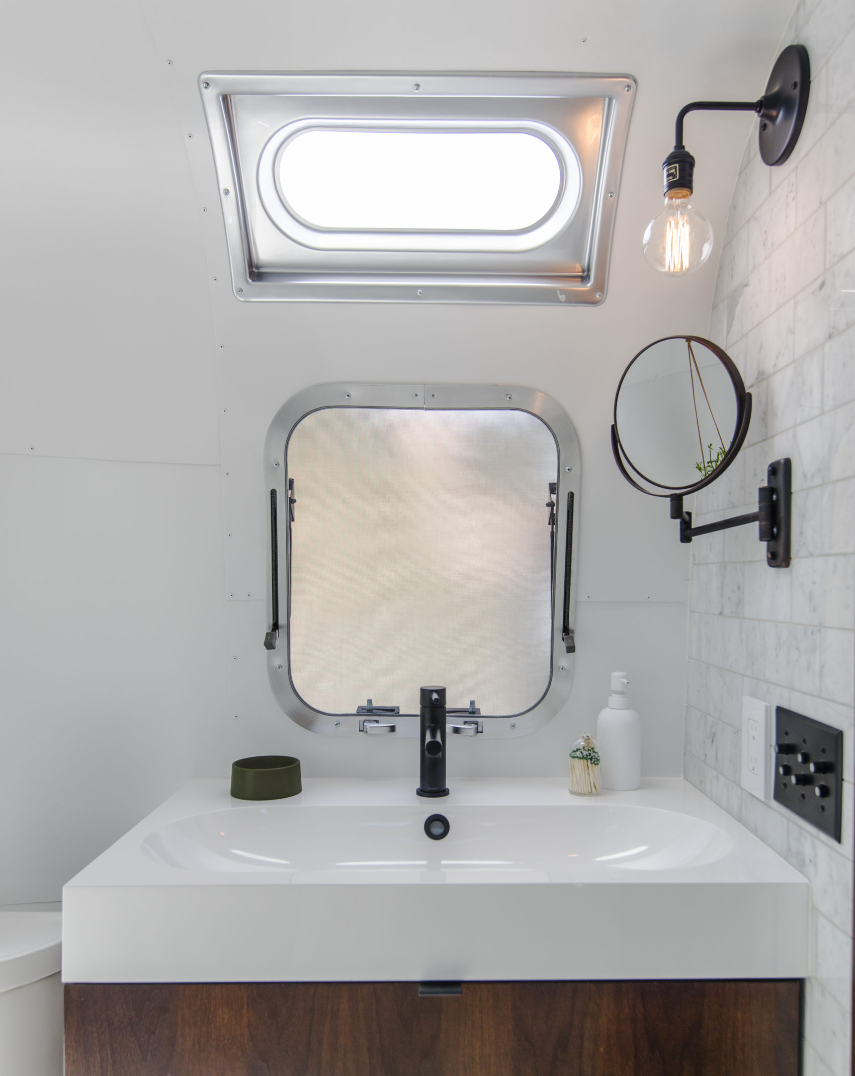Autopark Airstream trailer bathroom