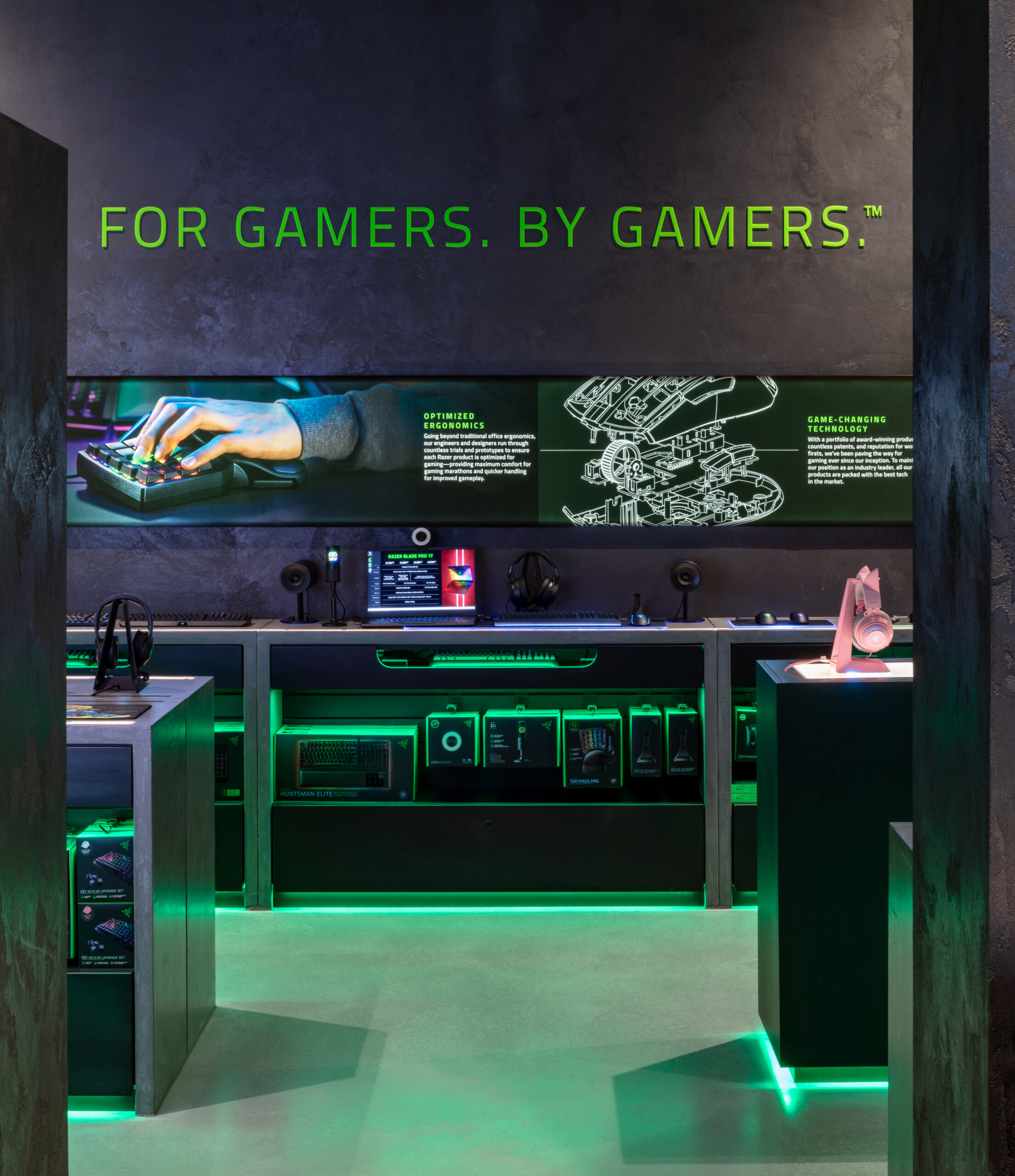 Razer flagship store by Your Studio by Marcus Peel