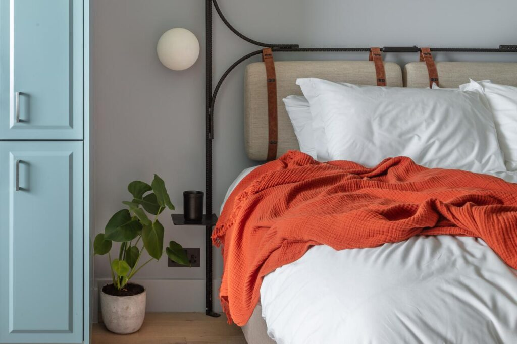 A bed at Bermonds Locke serviced apartment