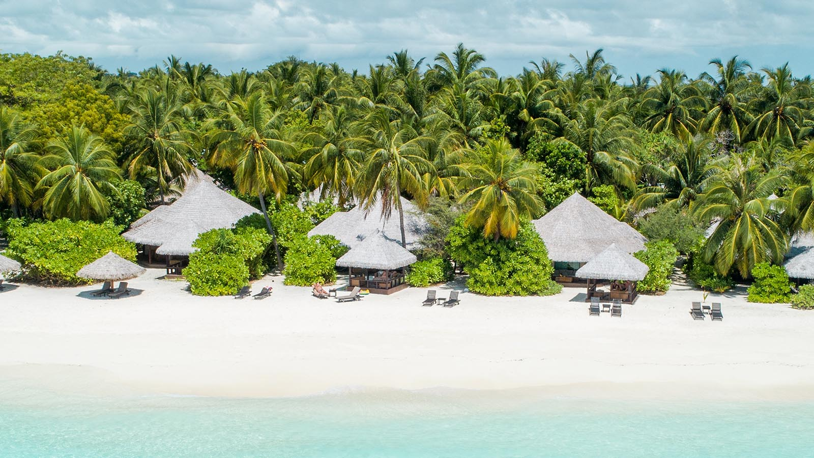 Kihaa Maldives Resort beach
