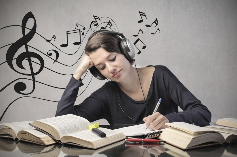 Listening to Music while Writing Assignment – Is it Helpful?