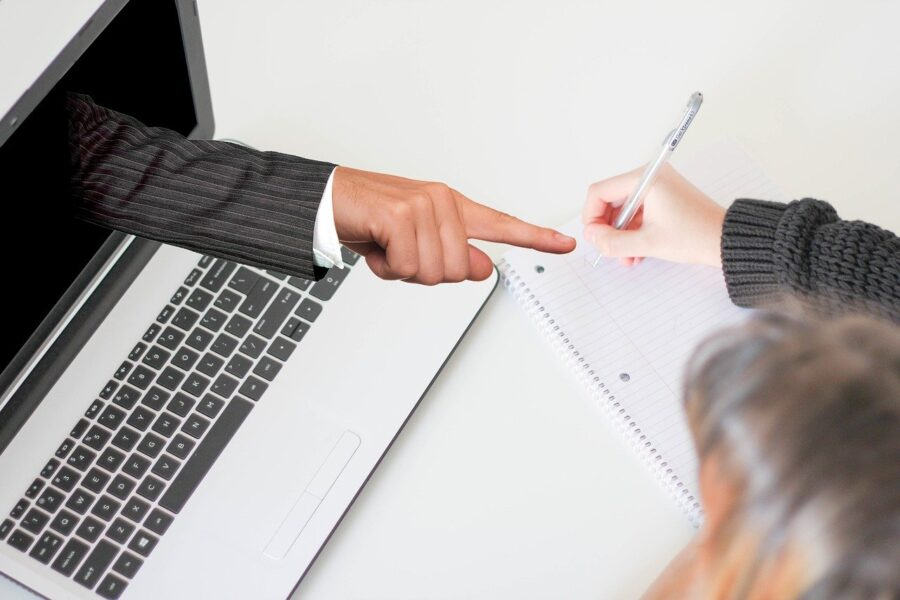 ऑनलाइन प्रशिक्षण के फायदे और नुकसान 1
