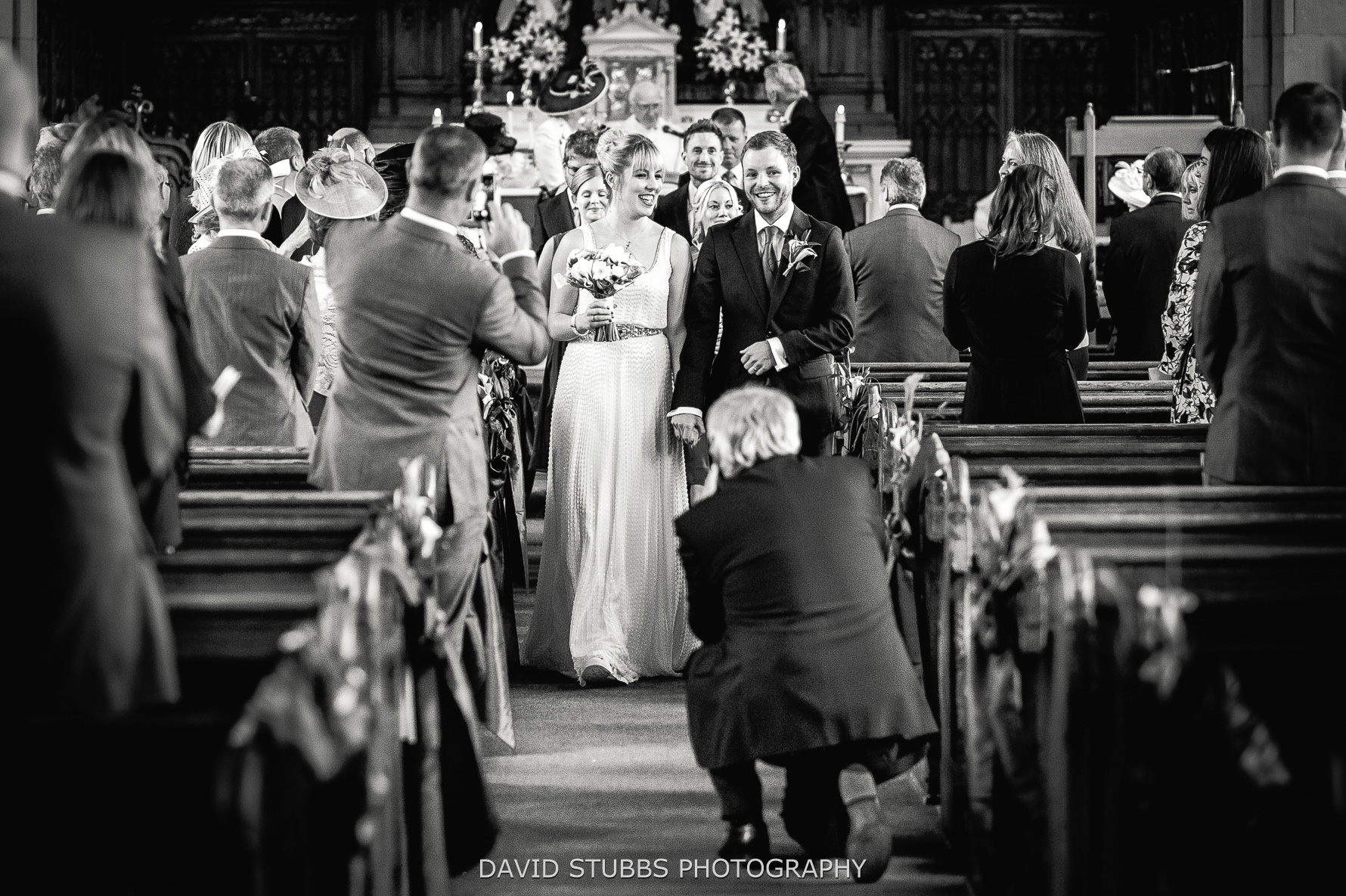 Should I have an unplugged wedding ceremony?