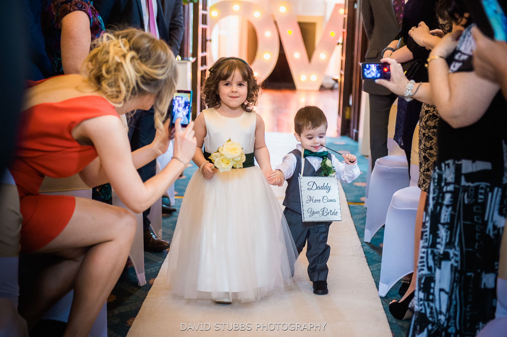 wedding ceremony should be unplugged
