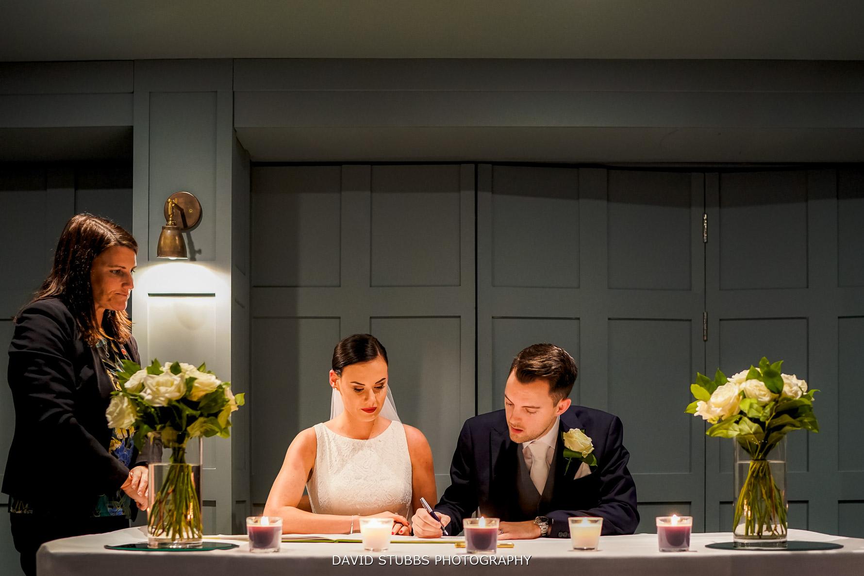 signing the wedding registrar