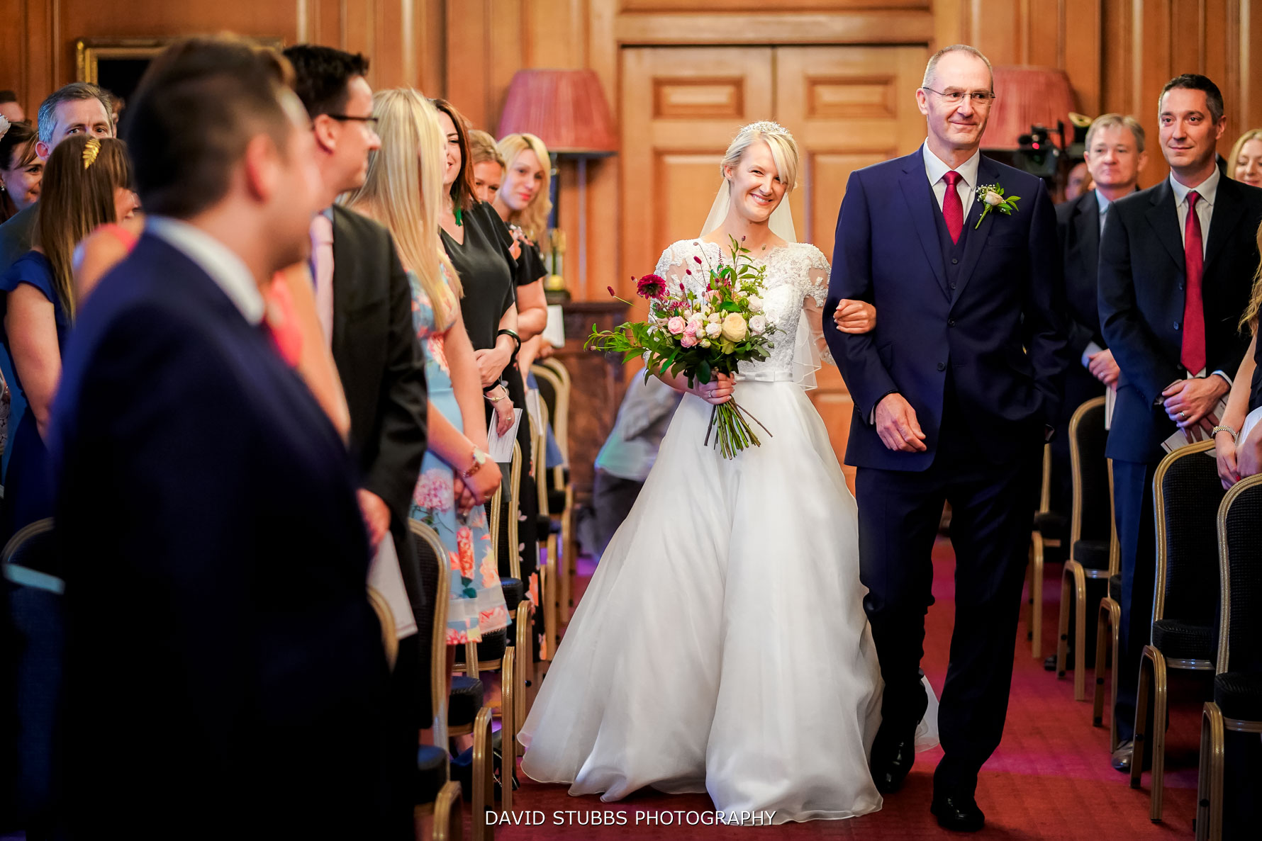 seeings bride for the first time in hall
