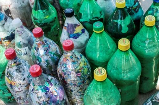 Eco-bricks, squaring the circular economy