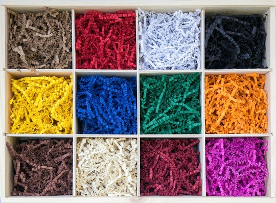 Colorful recycled paper from Koehler makes PresentFill® boxes and fill material more environmentally friendly.