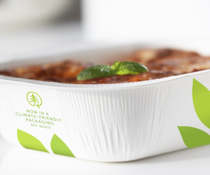 Stora Enso delivers new low-carbon material for microwavable ready-meal trays
