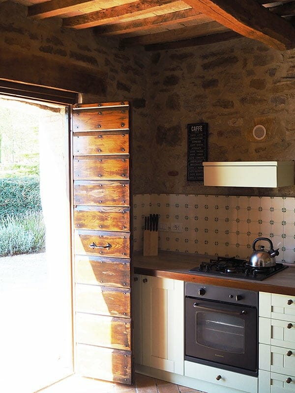 CASCINA-KITCHEN-DETAILS