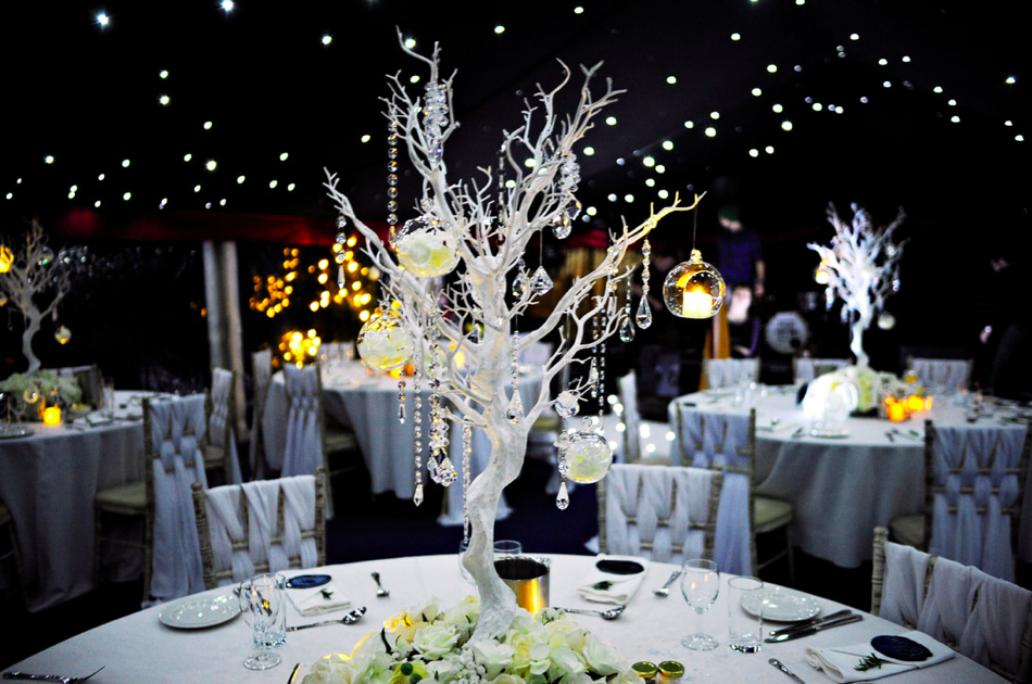 Winter wonderland table decor by Fabulous Functions UK, with photography by Elmar Rubio Photography