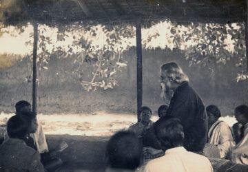 Tagore-as-teacher-shantiniketan