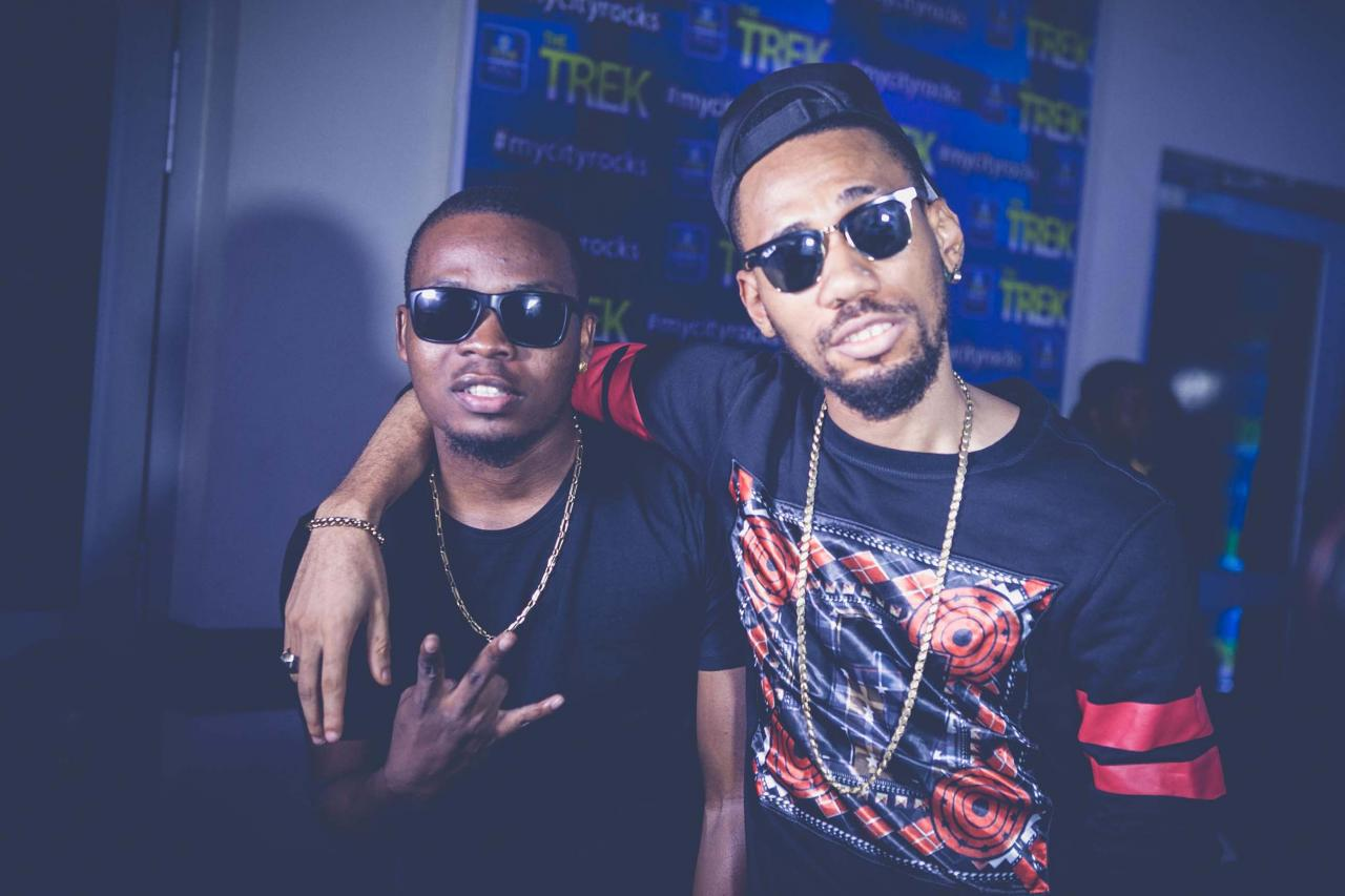 Photo of Lyrics : Olamide ft Phyno – Who You Epp?