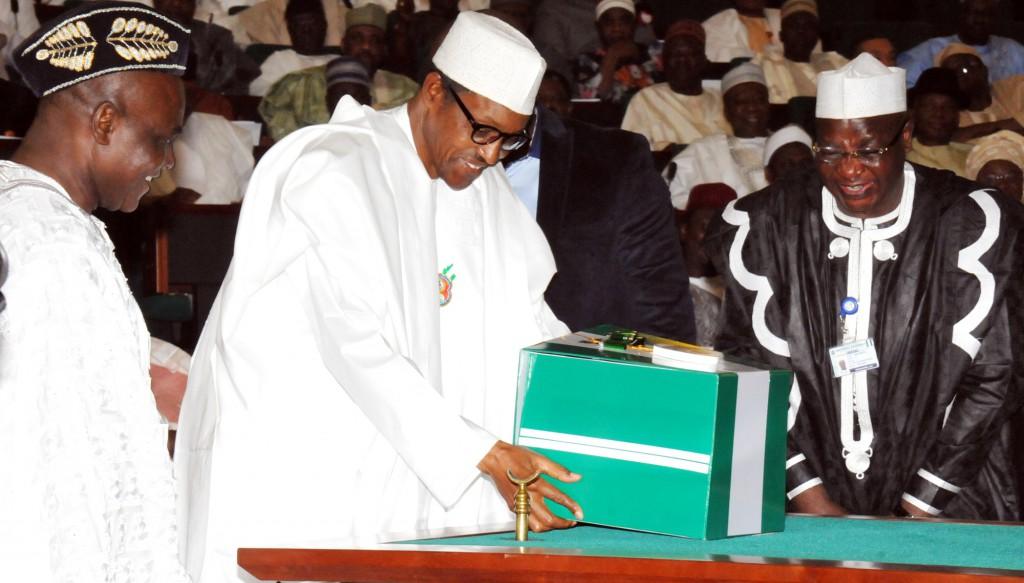 Photo of Senate Gives President Buhari Stern Warning