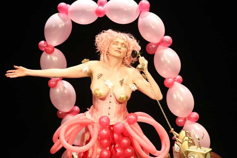 liz-clarke-pink-narcissus