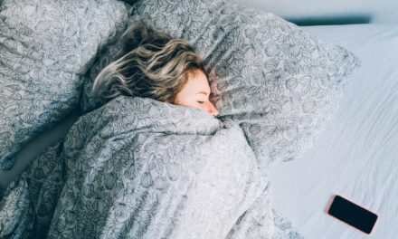 HOW LACK OF SLEEP AFFECTS YOUR HEALTH