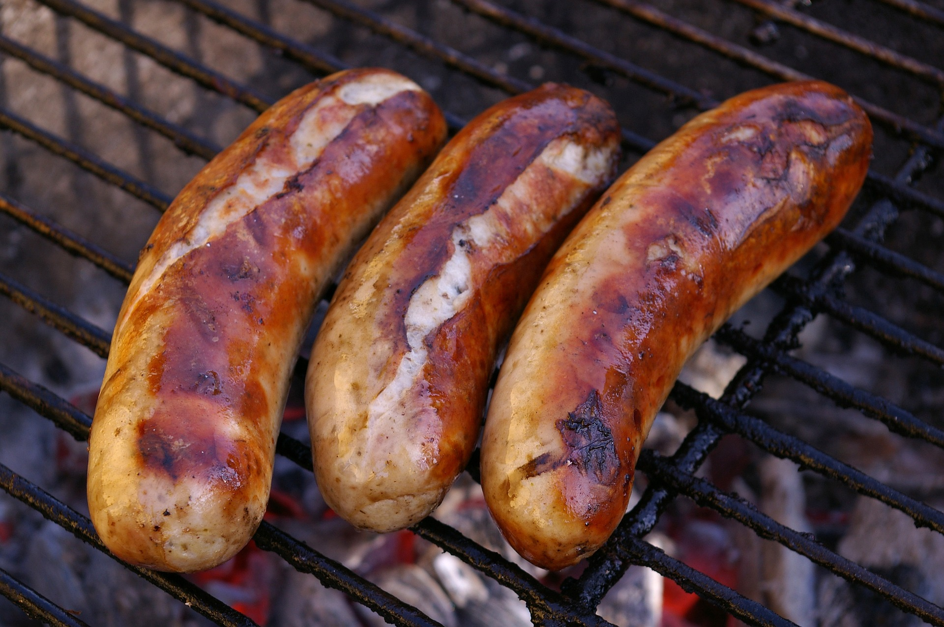 how to grill sausages