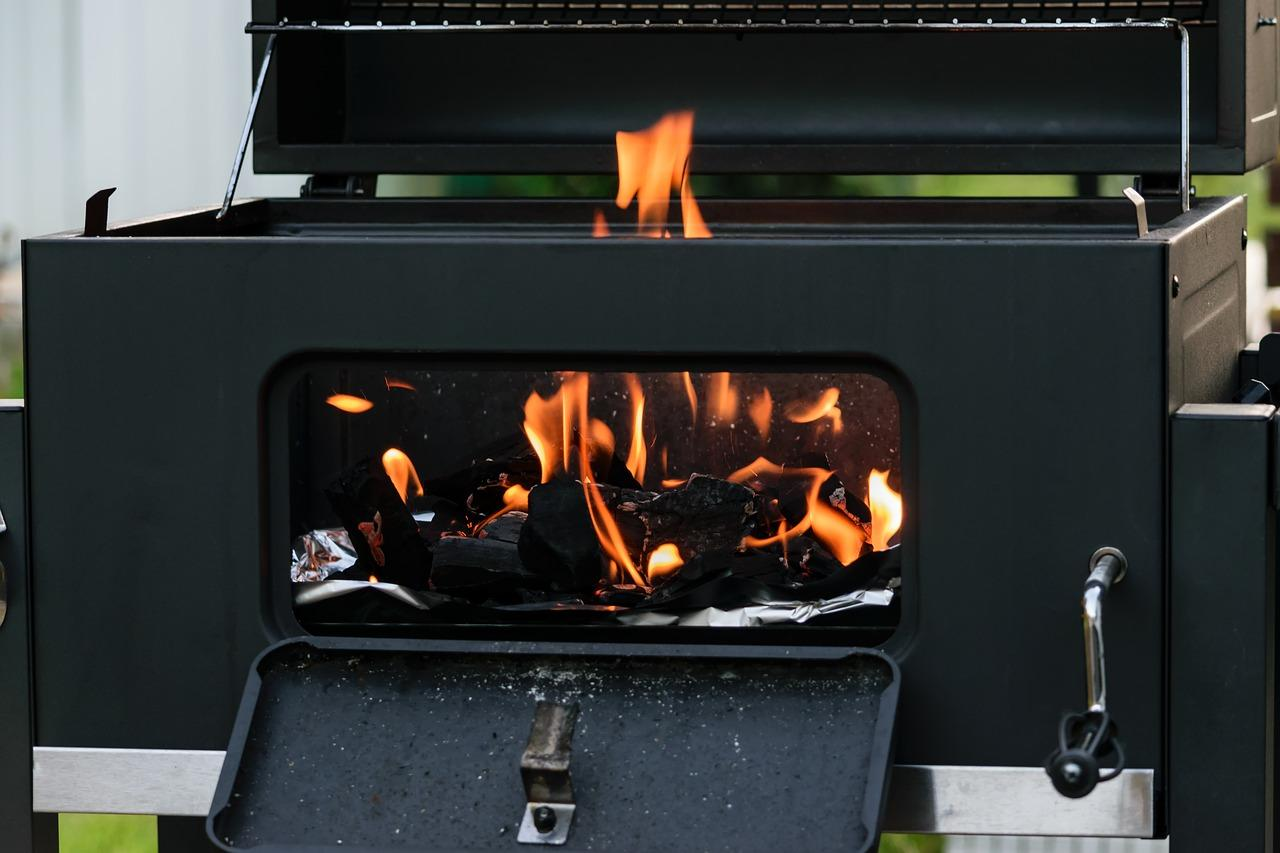 How to Keep a Charcoal Grill Hot
