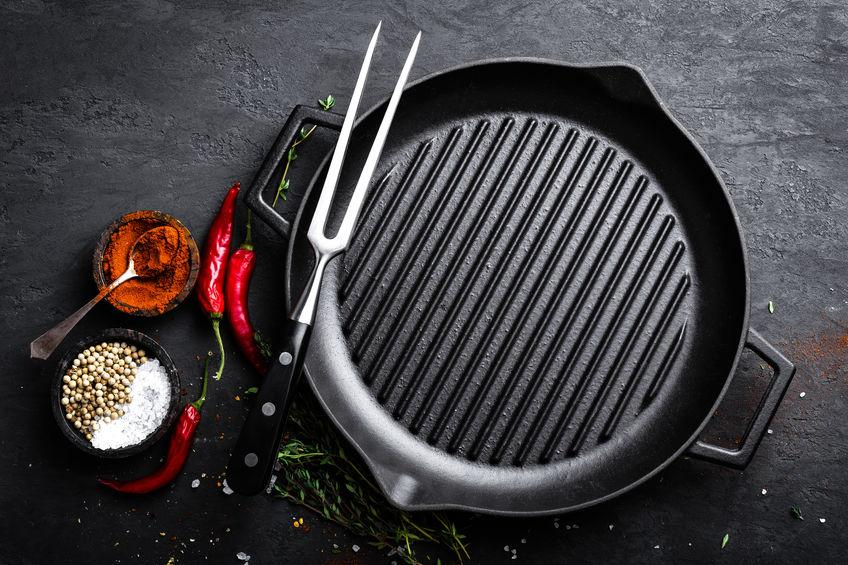 best way to clean cast iron grill pan