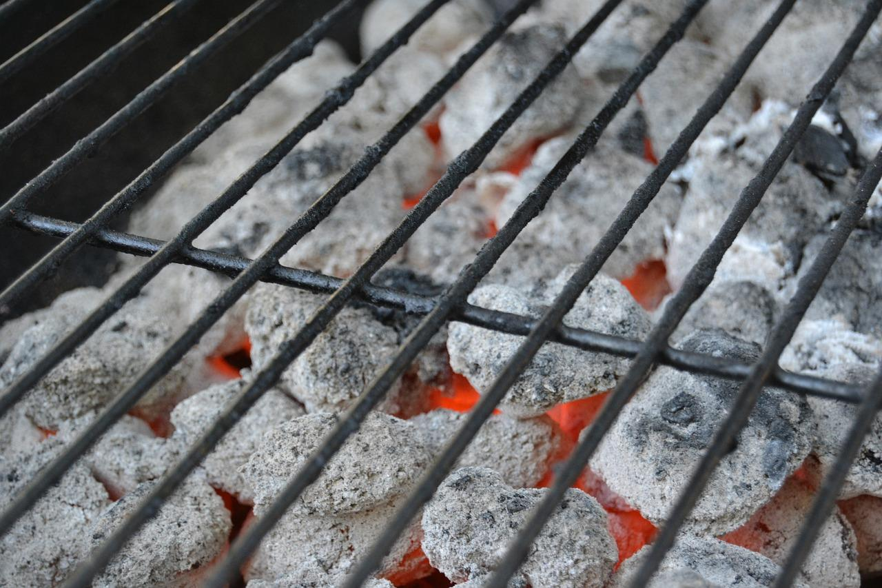 Charcoal Grilling Tips and Techniques