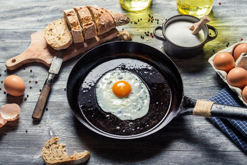 What is the Best Nonstick Pan for Cooking Eggs?