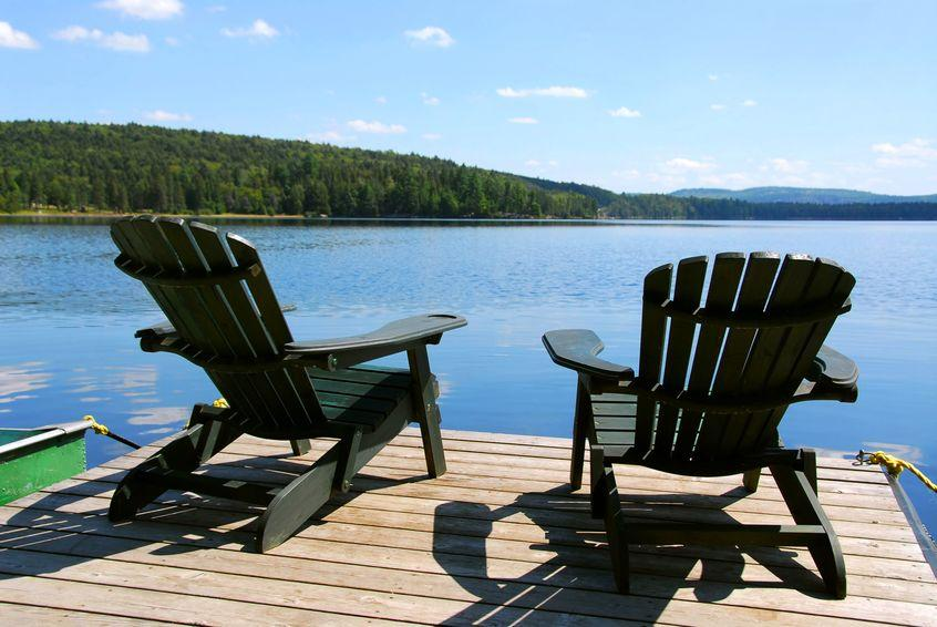 Are Wood or Plastic Adirondack Chairs Better?