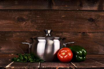 Why is stainless steel cookware the best?