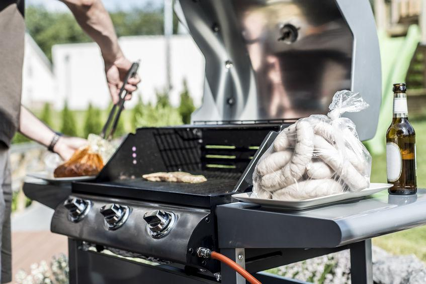 How Many Burners Do I Need on a Gas Barbecue Grill?