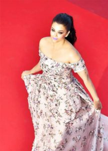 Aishwarya Cannes dress Sarabjit premiere