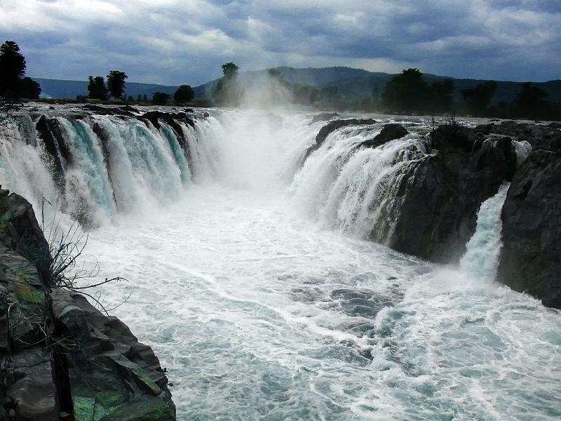 Hogenakkal Falls, Tamil Nadu. PC: Mithun Kundu, Flickr