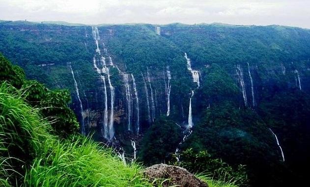 Nohsngithian Falls, Meghalaya PC: saveourgreen.org