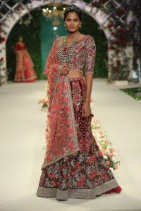 Varun Bahl Bridal fdci (1)