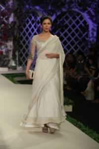 Varun Bahl Bridal fdci (2)