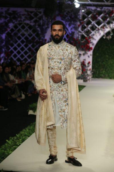Varun Bahl Bridal fdci (5)