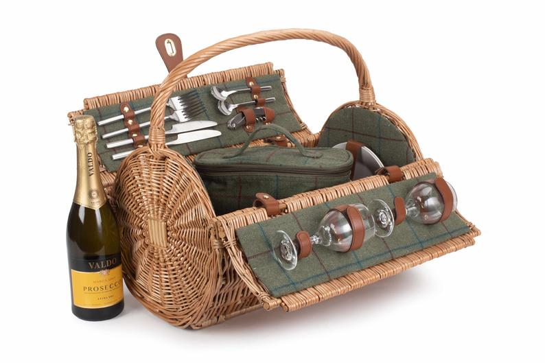 Barrel Picnic Basket with stainless steel flask and removable cooler bag